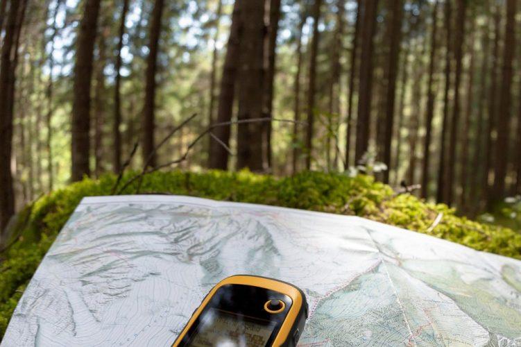 garmin-etrex-10-worldwide-handheld-gps-navigator-751x500